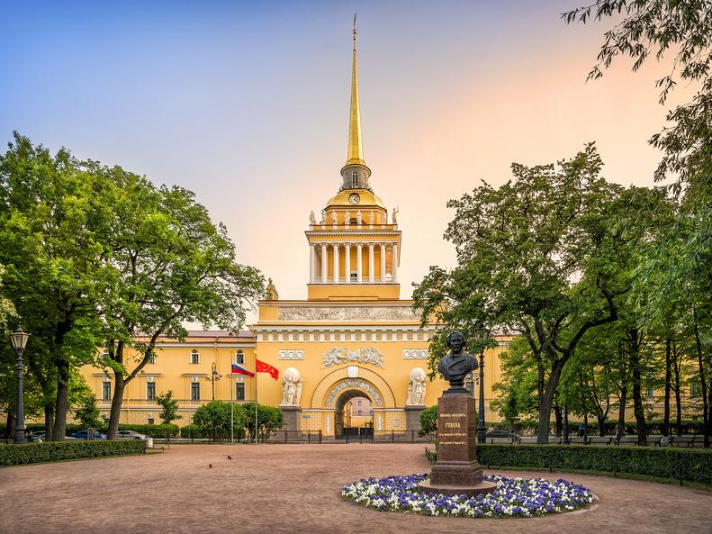 Здание Адмиралтейства в Санкт-Петербурге