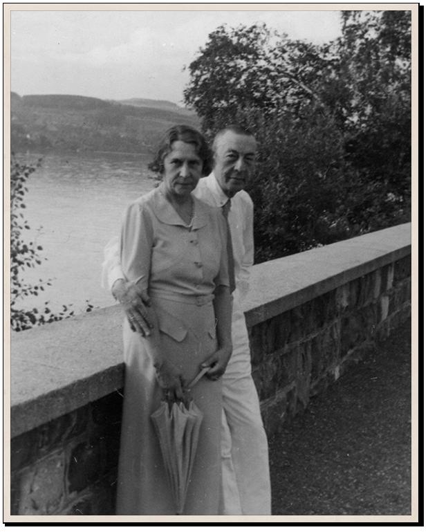 Сергей Рахманинов с женой Натальей Рахманиновой. 1924 год. Российский национальный музей музыки, Москва